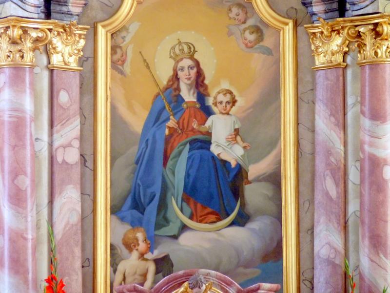 Altarbild Maria Königin mit dem Jesuskind, das die rechte Hand zum Segensgestus erhebt.